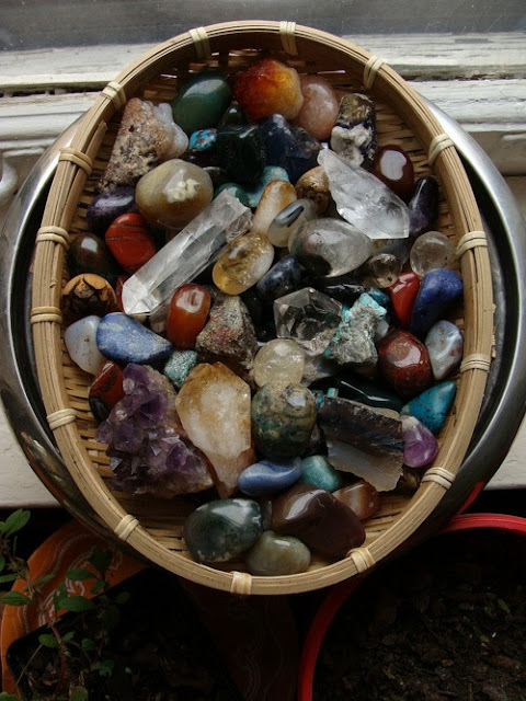 What You Need to Know Before You Buy a Rock Collection