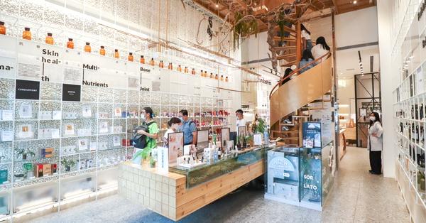 台中西屯分子藥局號稱台中最美藥局,不只賣藥還賣義式冰淇淋和咖啡