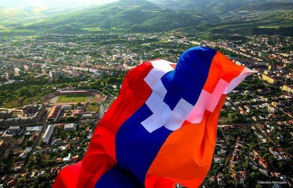 Renuncian varios funcionarios del Gobierno de Artsaj