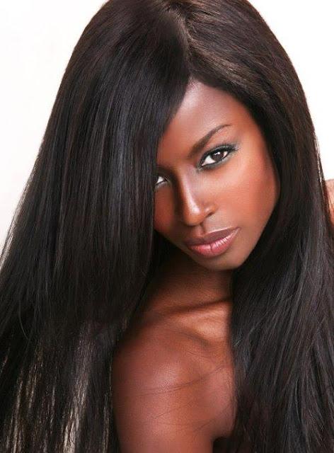 Modelo con peluca