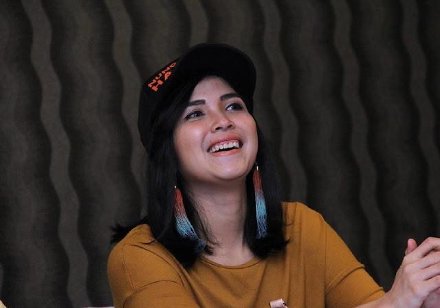 Target Ganti Pasangan di 2019, Dinda Kanya Dewi Cari Pria Humoris