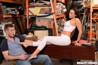 Rachel-Starr-%3A-Customer-Satisfaction-%23%23-REALITY-KINGS-46vgrrfhqk.jpg