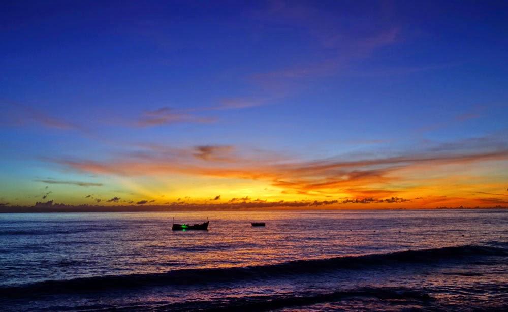 Hasil gambar untuk Sunset dan Sunrise sumur tiga
