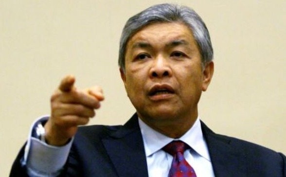 Zahid Hamidi Kata Tun Mahathir Kitab Buruk dan Tidak Relevan