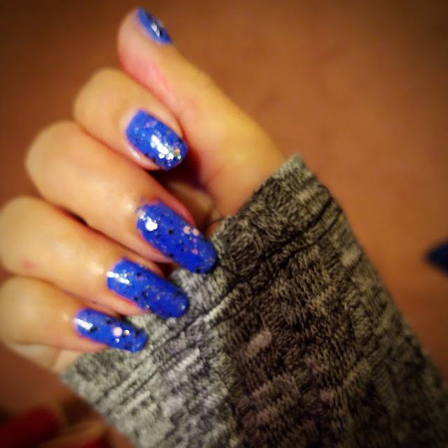 Sparkle Nail Art in Blue