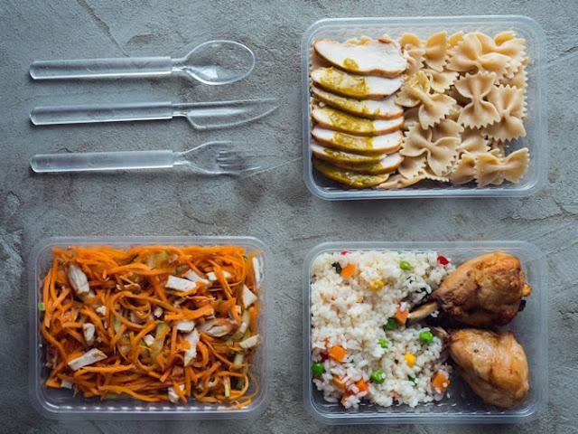 Preparar suas refeições para o trabalho pode ajudá-lo a manter suas metas de dieta