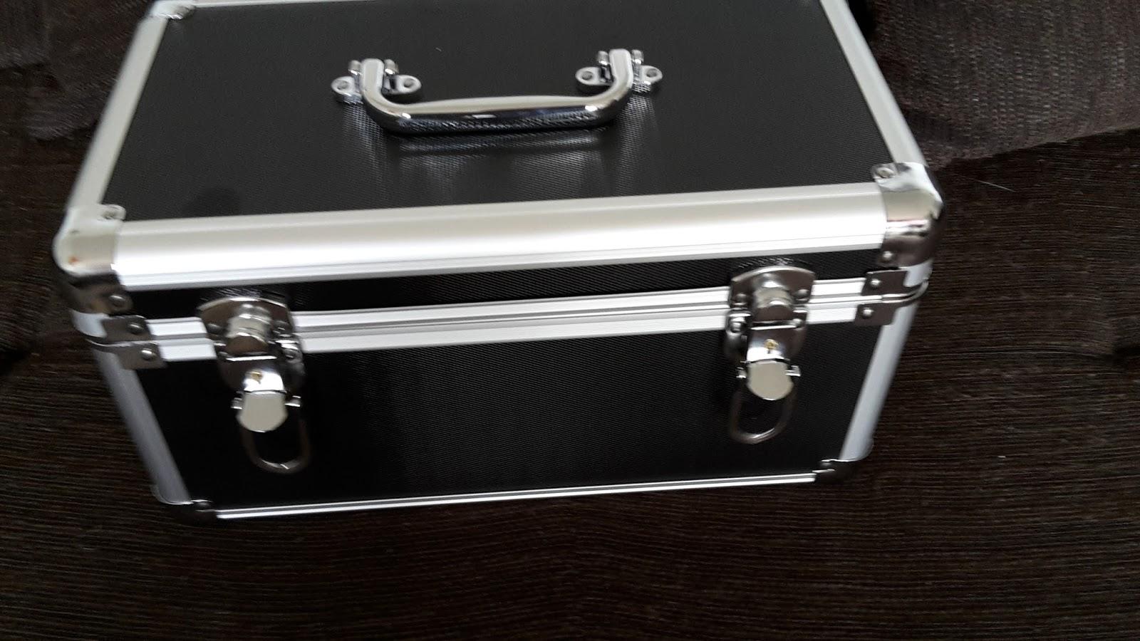 lahr2006 testet salcar festplatten schutzkoffer 10. Black Bedroom Furniture Sets. Home Design Ideas