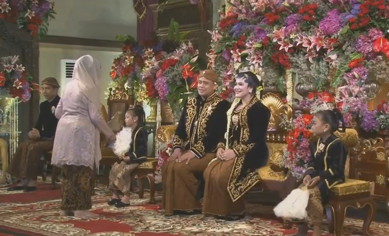 foto-foto resepsi pernikahan kahiyang bobby