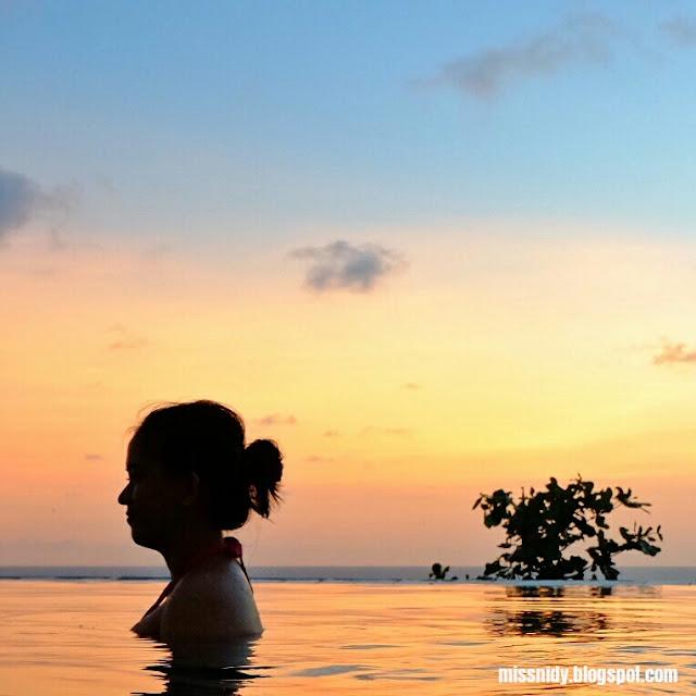 hanya berenang di queen of the south beach resort jogja