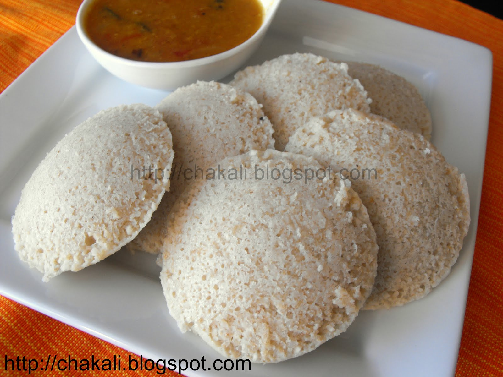 Oats and Brown Rice Idli | चकली