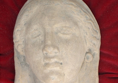 Italian police recover Roman statue stolen from Pompeii