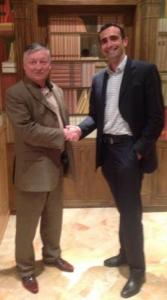 Anatoly Karpov, 12ème champion du monde d'échecs, ici en compagnie de Luca Desiata
