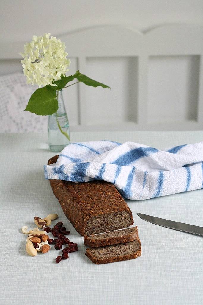 Glutenfreies low carb Brot Rezept, life changing bread, live saving bread, Backen ohne Mehl und Zucker, zuckerfreies Brot, mittwochs mag ich, Belly & Mind Erfahrung, low carb Ernährung