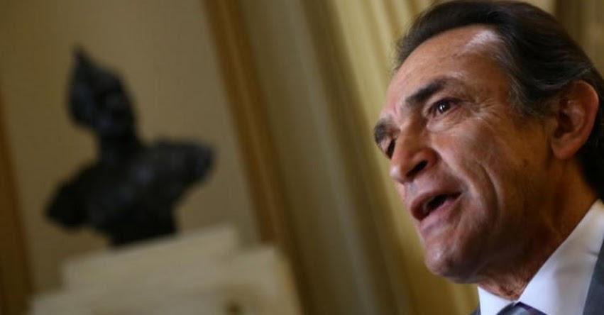 Congresista fujimorista Héctor Becerril explicó la ausencia de Fuerza Popular en reunión entre Martens y maestros