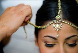 bride short hairstyles with head piece in Seychelles