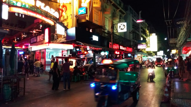 28 Fun Things We Did in Bangkok Thailand & Travel Tips!