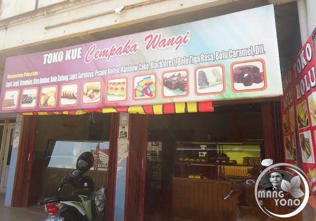 Toko Kue Cempaka Wangi, Alamat Jl. Raya Kalijati. Tlp. 0852-1808-4404