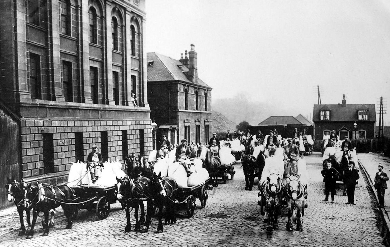 tour scotland old photograph parade of wagons flour mills. Black Bedroom Furniture Sets. Home Design Ideas