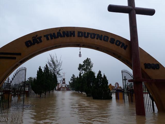 Chùm ảnh lũ lụt tại Giáo xứ Dương Sơn – Huế - Ảnh minh hoạ 17
