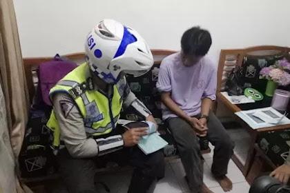 """Terciduk! Terekam CCTV Tak Pakai Helm, Rumah Asep """"Diserbu"""" Polantas"""