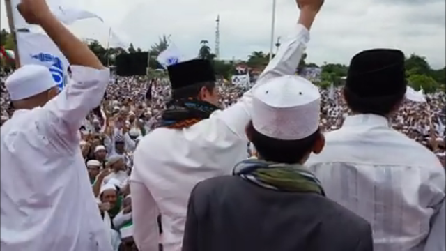 KH Bachtiar Nasir dan KH M Zaitun Rasmin mengobarkan semangat juang bela Negara (TC)