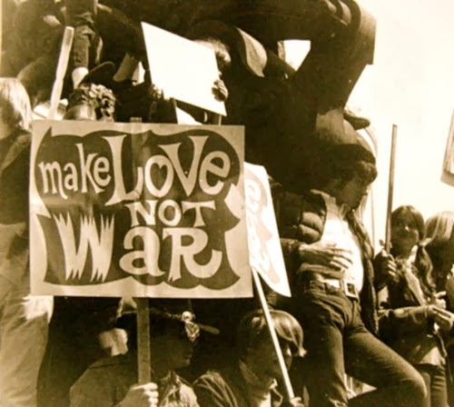 Hippie World: Hippies In Love, Hippies In Peace, Make Love