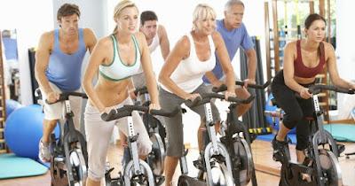 Spinning, Peligros del Spinning, riesgos de practicar spinning, beneficios del spinning, Fortalecer Muslos, Fortalecer Gluteos