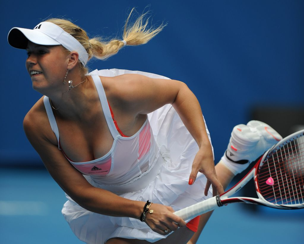 tennis caroline wozniacki hot pics and wallpapers