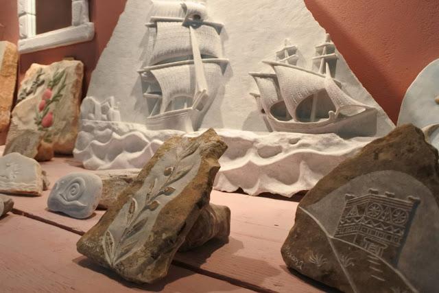 Μεγάλο ενδιαφέρον και από την Αργολίδα για την έκθεση «Τηνιακοί Μαρμαρογλύπτες» στην Καρύταινα