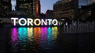 Nathan Square em Toronto