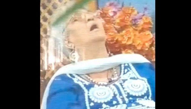 Ινδή καθηγήτρια πέθανε ενώ μιλούσε σε ζωντανή εκπομπή (βίντεο)