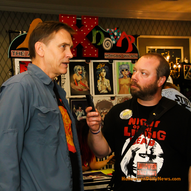 bill moseley with hdn editor in chief matt artz photo by sue artz for halloweendailynewscom