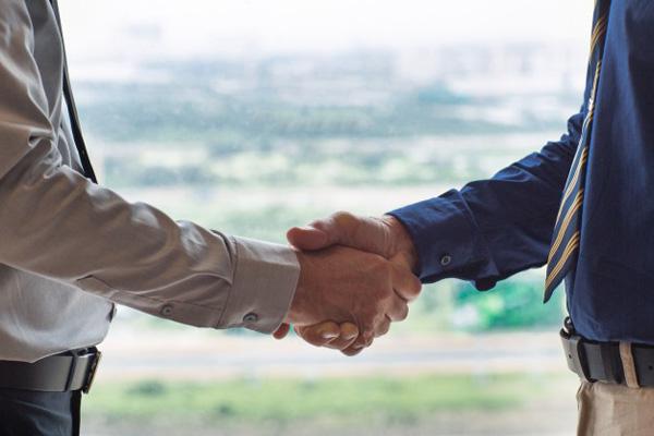 خطوات بسيطة لكسب ثقة العملاء
