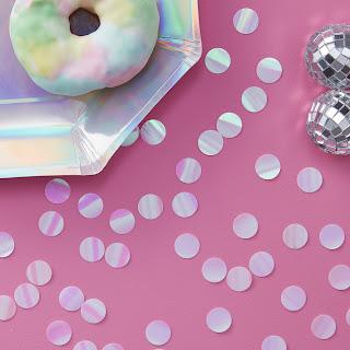 decoration confettis de table iridescent arc en ciel