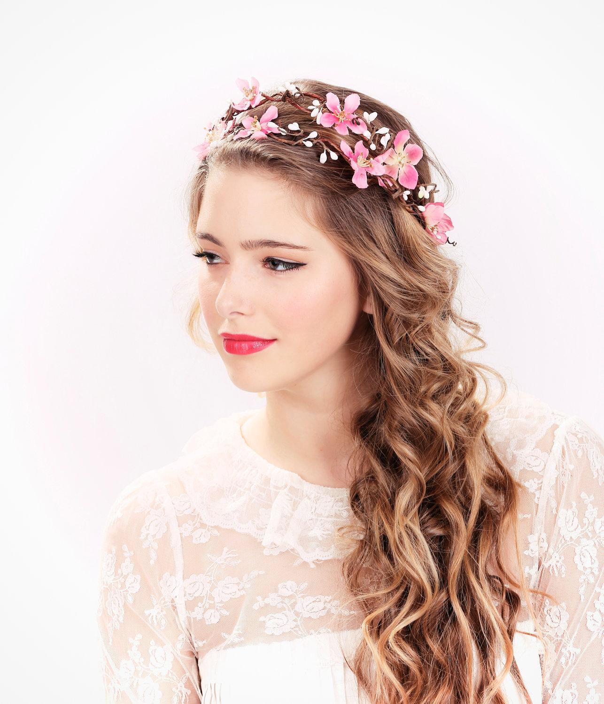 Terrific Wedding Hairstyles With Flowers And Tiara Wedding Ideas Short Hairstyles Gunalazisus