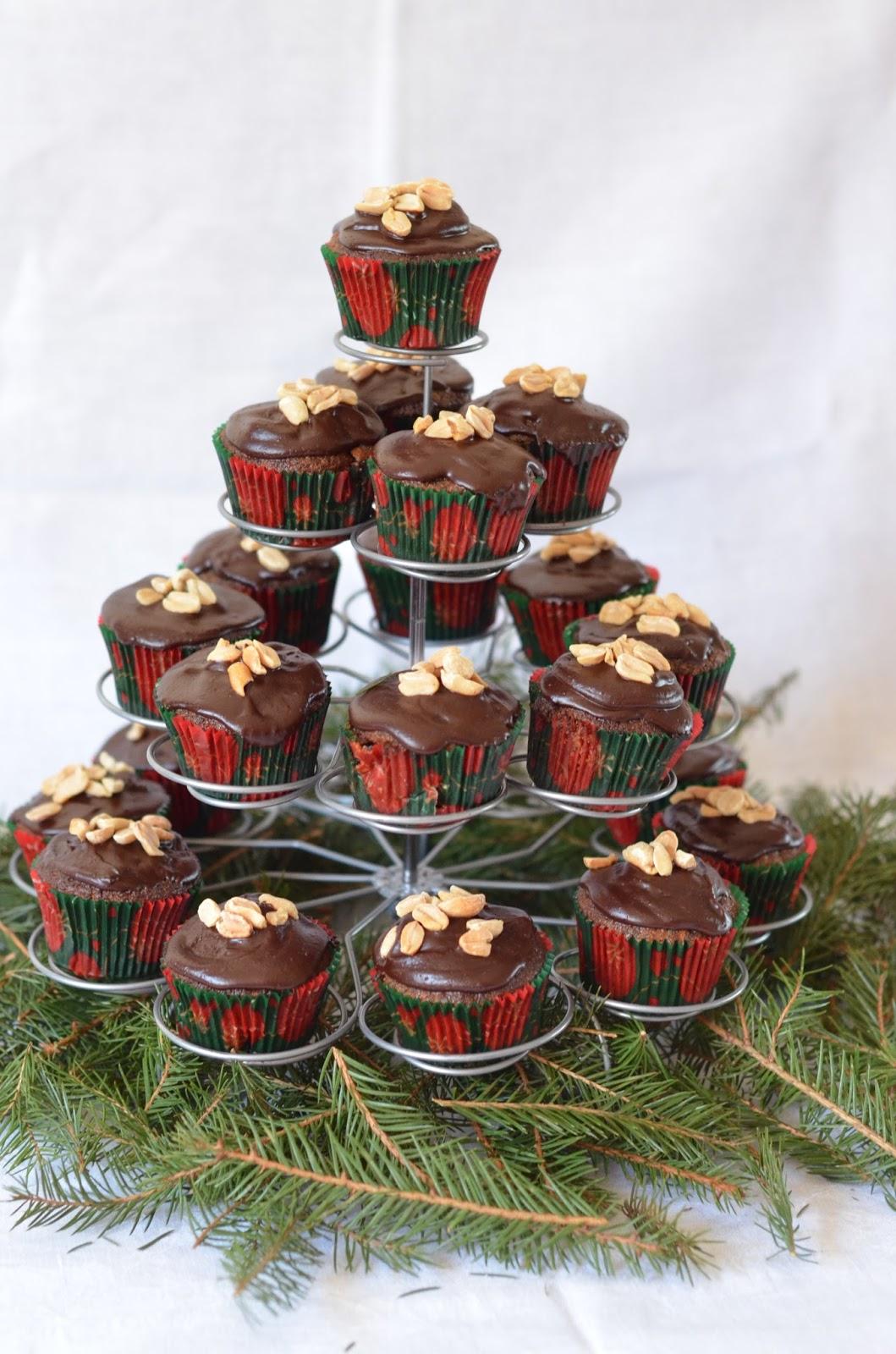Makowe muffinki z fistaszkami
