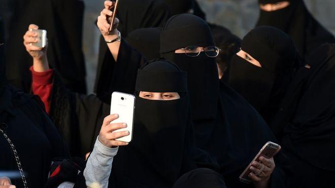 Saudi women to get divorce notice by text