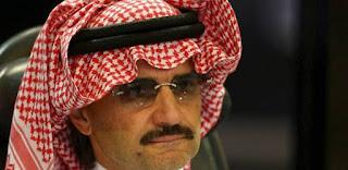 الأمير الوليد بن طلال بعد خروجه يحكي تفاصيل توقيفه بالريتزكارلتون