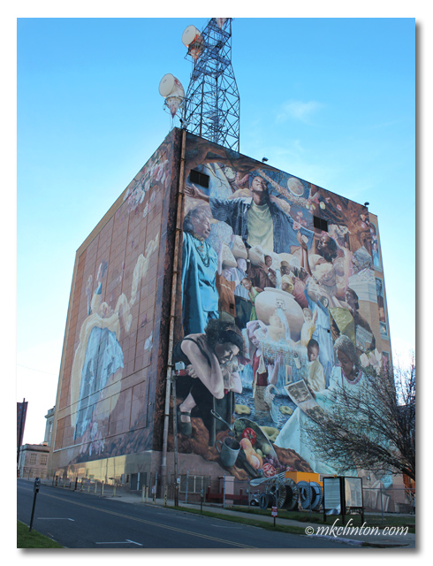 Shreveport's Once in a Millennium Moon mural
