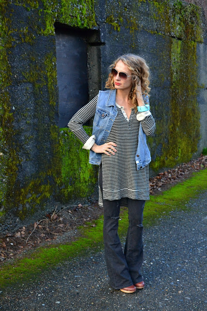 how to wear flare jeans and a tunic