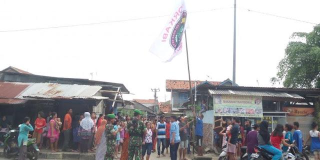 Di Tempat Jokowi Bagi-bagi Sembako, Bendera Ormas Diminta Diturunkan