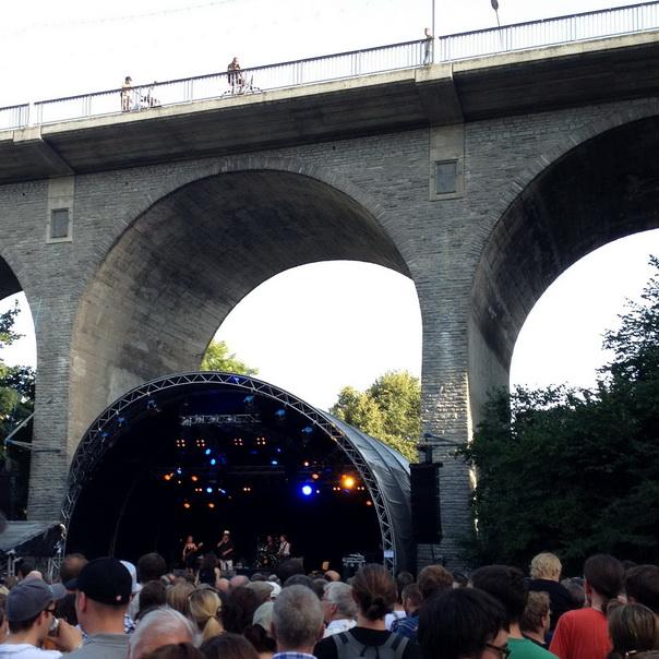 Badenfahrt Baden Brücke Hochbrücke Konzert Bühne Menge Show