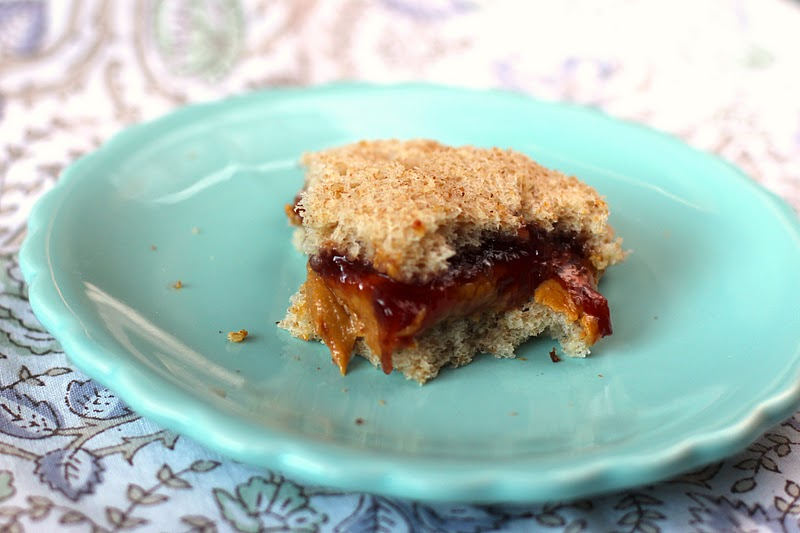 Unlike the storebought version, these Healthy Homemade Peanut Butter and Jelly Uncrustables are all natural and whole grain with no sugar added, yet they taste just as delicious. They might even taste BETTER than the original! (gluten free and vegan options) -- Healthy Dessert Recipes on the Desserts With Benefits blog