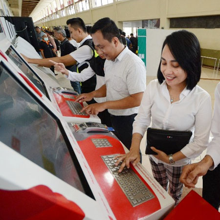 Ingin Beli Tiket Pesawat Go Show Lion Air Group Sediakan Vending Machine Di Bandara Juanda Juandaairport Com