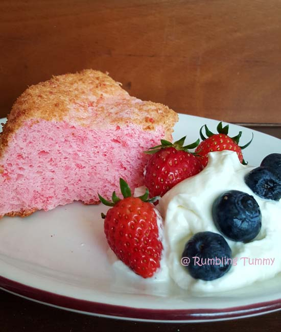 What Goes Good With Angel Food Cake