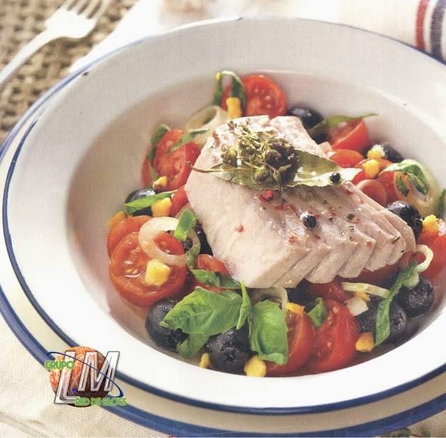 Ventresca de atún confitada con ensalada