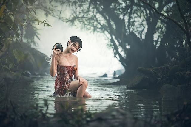 girl take bath