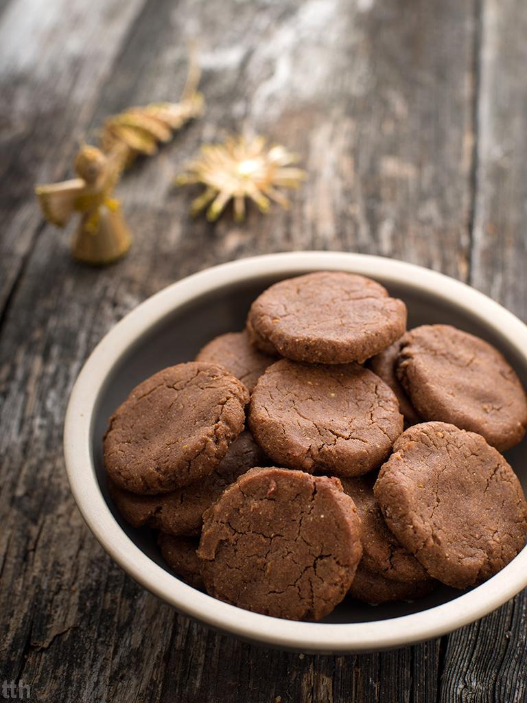 pierniczki z kaszy jaglanej weganskie, bezglutenowe, bez cukru roślinny blog kulinarny