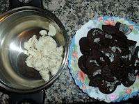 Quitando la crema de las galletas
