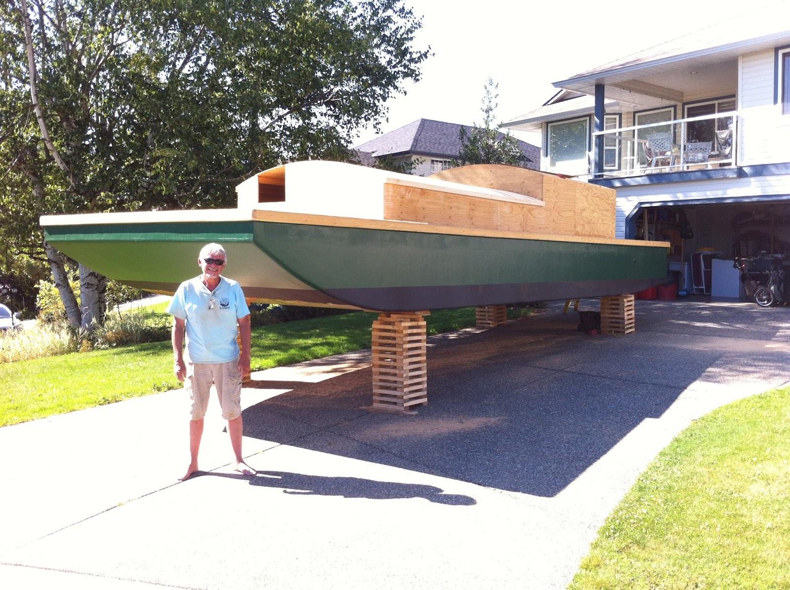 the sailing house barge autarkia july 2016